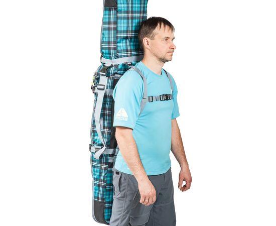 Чехол-рюкзак для сноуборда «Фьюжн» 145 см у мужчины за спиной